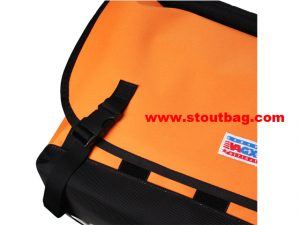 classic_messengerbag_orange_3