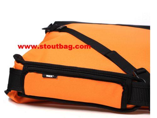 classic_messengerbag_orange_5
