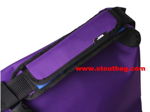 classic_messengerbag_purple_4
