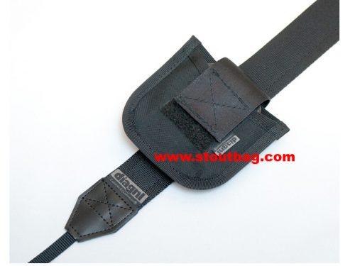 lens-cap-holder-L-black-4
