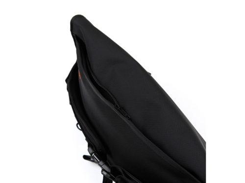lumisac-messenger-bag-black-orange-5