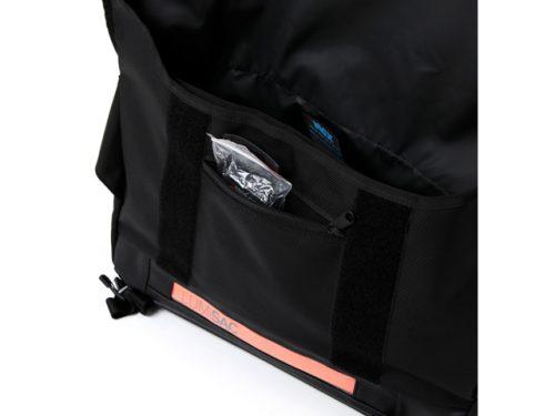 lumisac-messenger-bag-black-orange-8