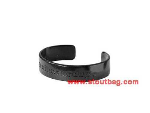 mercibeaucoup-logo-bangle-black-2