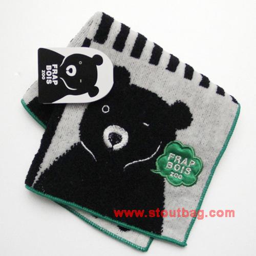 frapbois-zoo-bear-towel-2