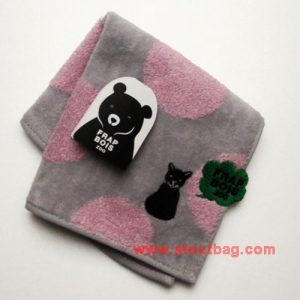 frapbois-zoo-dot-cat-towel-2