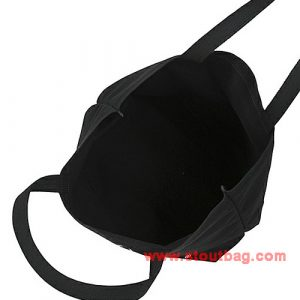ne-net-nya-face-tote-bag-black-5